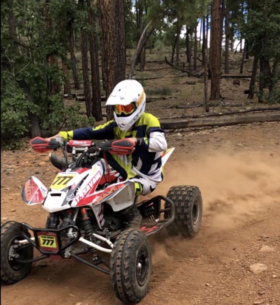 Tyler+Savage+drifting+on+his+practice+run.